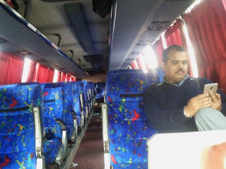 kathmandu-delhi-bus